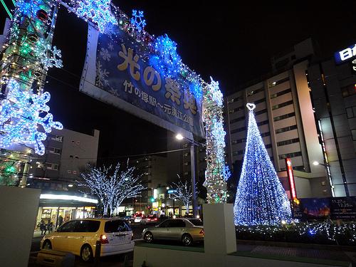 竹ノ塚駅前・光のゲート